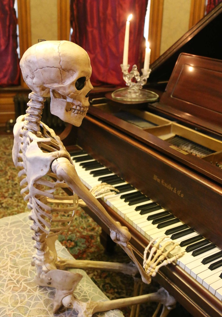 Skeleton Playing Piano