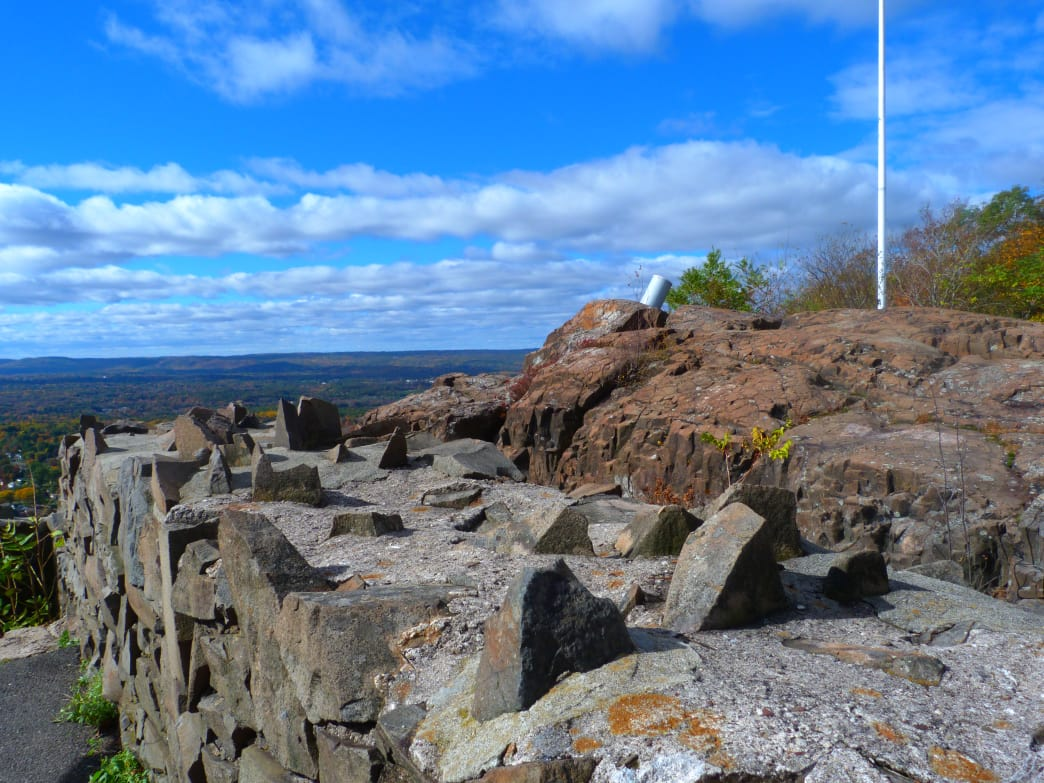 Halloween hikes in America - Metacomet Trail