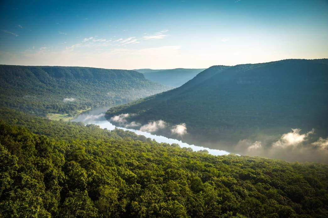 Snoopers Rock has the best views of the Tennessee version of Horseshoe Bend. Lauren Brooks