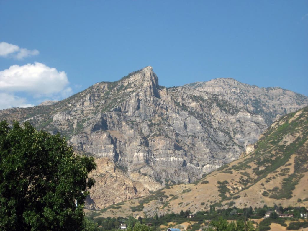 Squaw Peak features a good amount of climbing, with 2,800 feet in elevation gain over 3.5 miles.