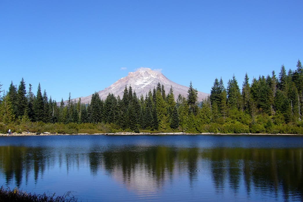 Mirror Lake is easily accessible from Highway 26 and offers one of the best vantage points of Oregon's highest peak.